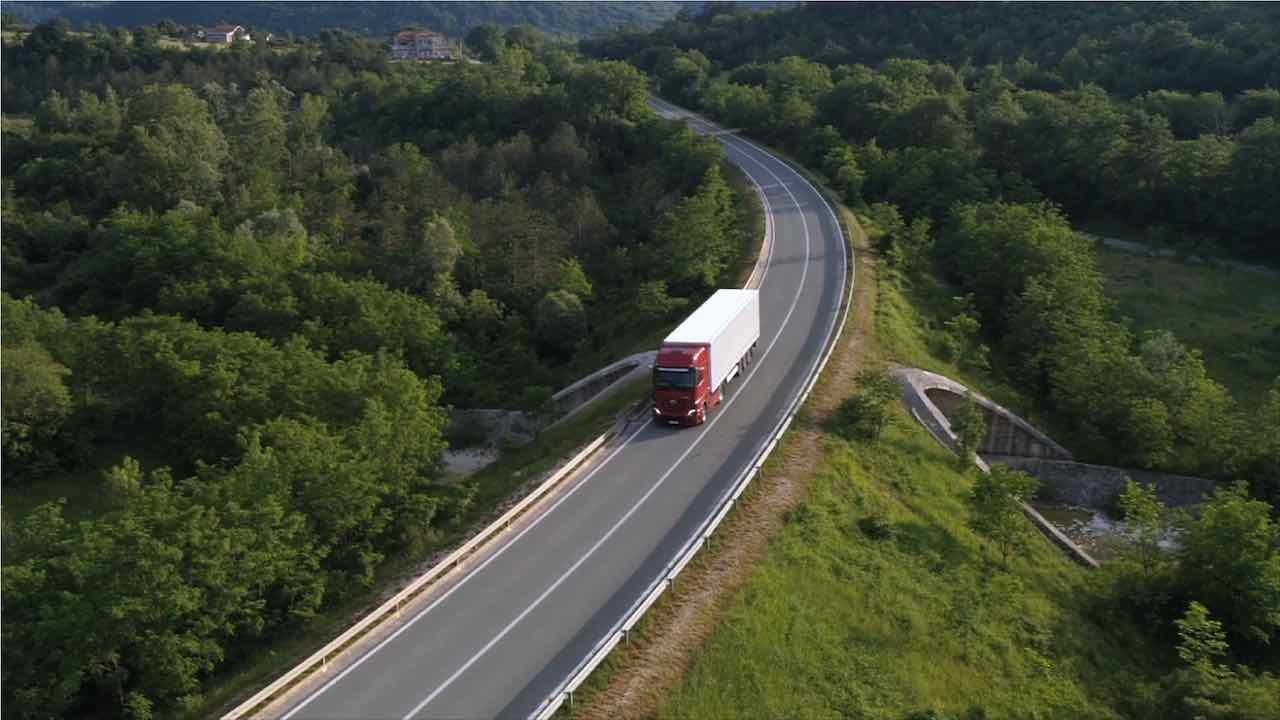 Die Zukunft der LKW-Logistik: Digitalisierung und Fahrermangel