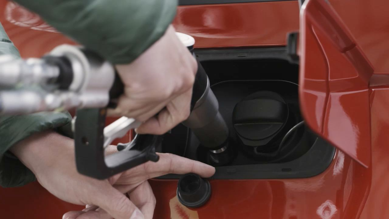 """Alternative Kraftstoffe – Das Motto """"Alles elektrisch!"""" reicht nicht für die Wende im Automobilsektor"""