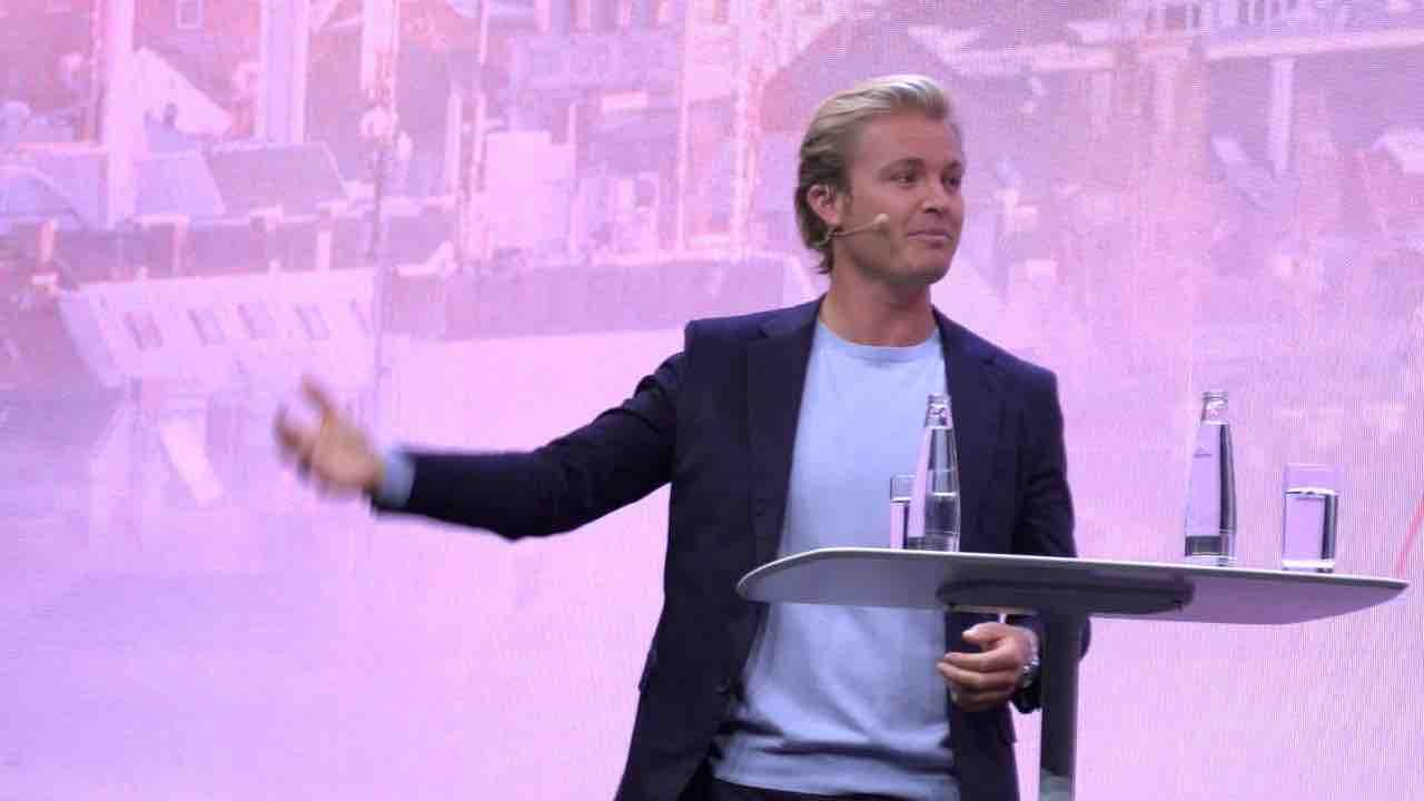 IAA Mobility: Nico Rosbergs Herz schlägt elektrisch +++ Die kleinsten E-Mobile der Messe
